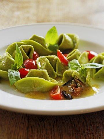 grøn tortelini